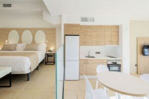 La Envia Almeria Aprtments Bedroom +Living